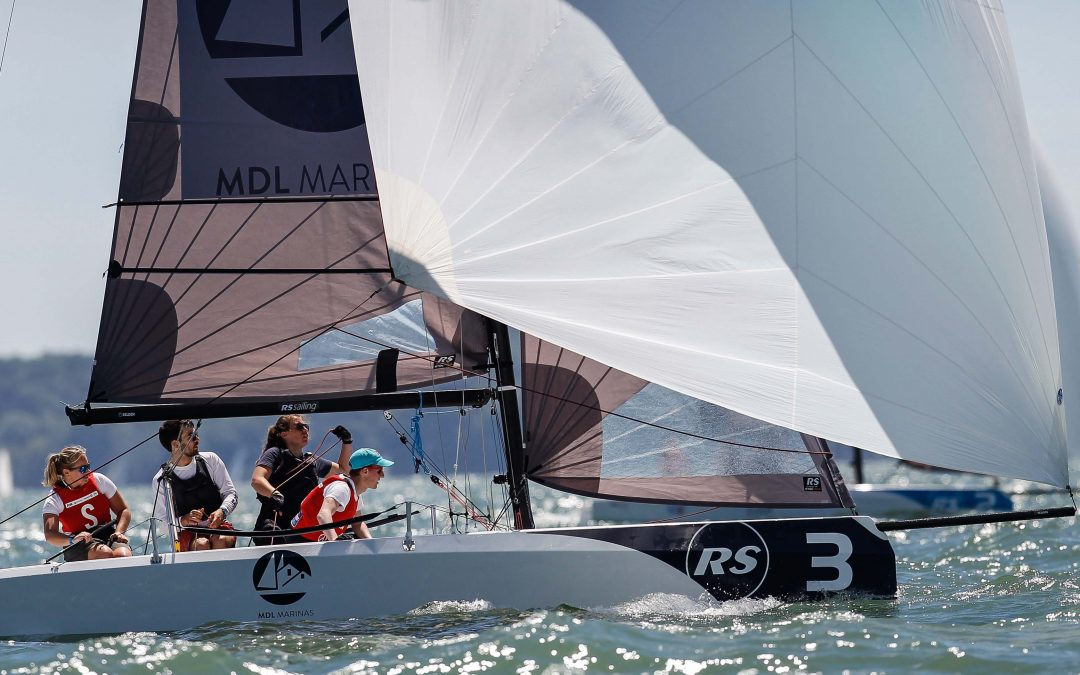RS 21 –  La barca a chiglia per Club e  Sailing Team