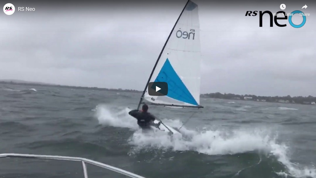 VLOG: RS Neo – Windy Sailing